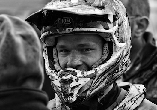 Dirt bike helmet guide