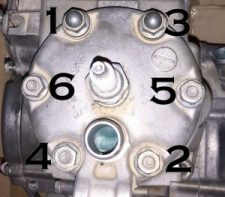 2-stroke top end and bottom end rebuild tips for beginners
