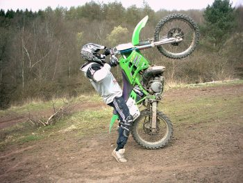 how to wheelie a dirt bike